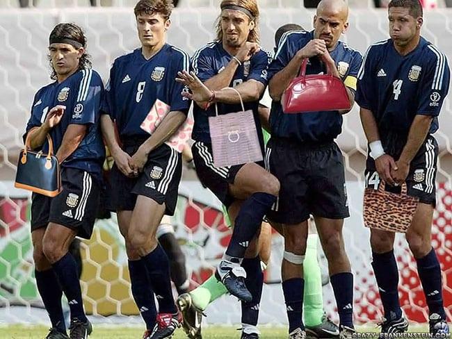 funny sports photos | sports team holding purses