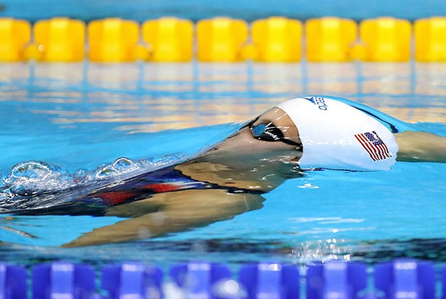 funny sports photos | distorted swimmer