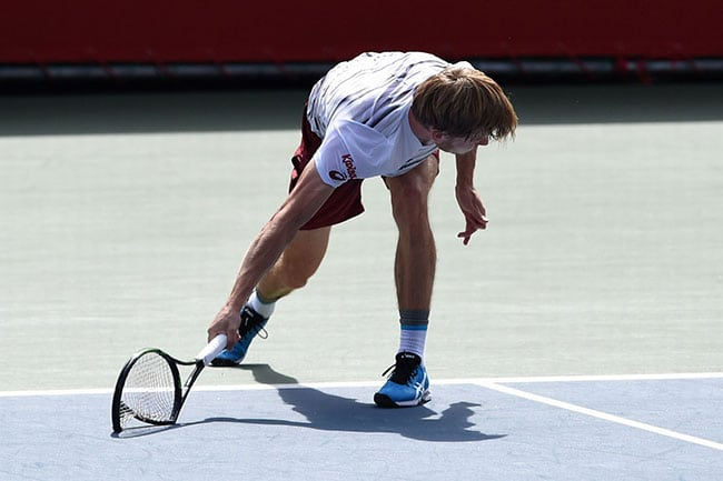 funny sports photos | broken tennis racket