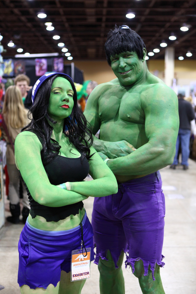 couple halloween costume hulk