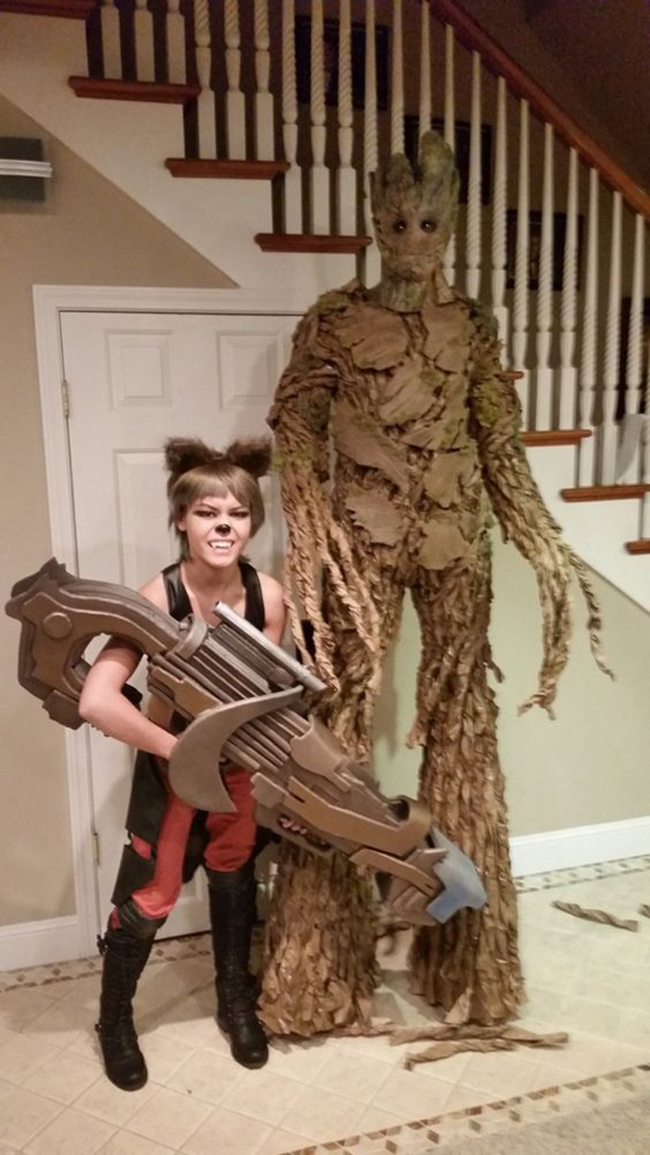 couple halloween costumes - rocket and groot