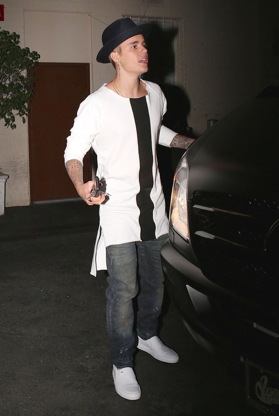Justin Bieber outfits high-low hem