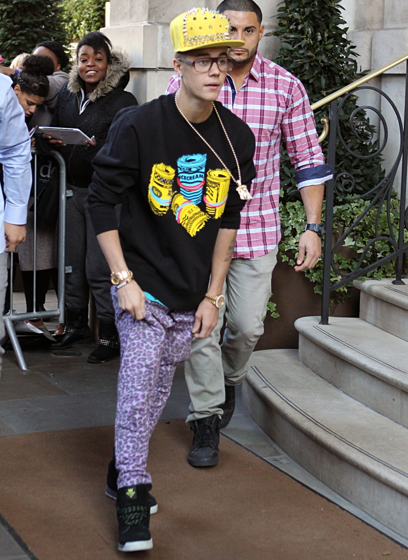 justin bieber outfits yellow hat