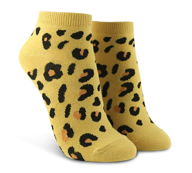 leopard print graphic ankle socks