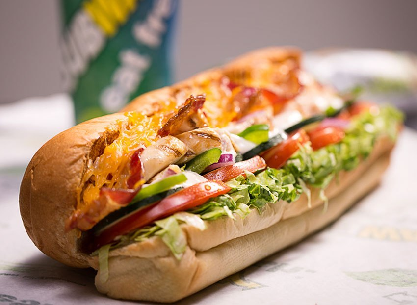 subway-chicken-bacon-ranch-melt-twitter