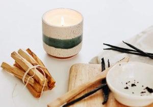 vegan home ideas - ceramic pot vegan soy candle