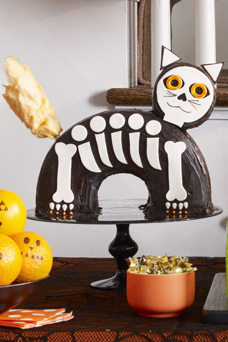Halloween dessert recipes: cat cake