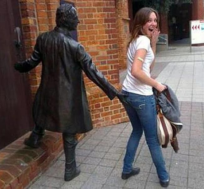 hilarious photos - cheeky