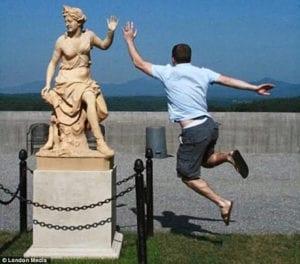 hilarious photos - high five