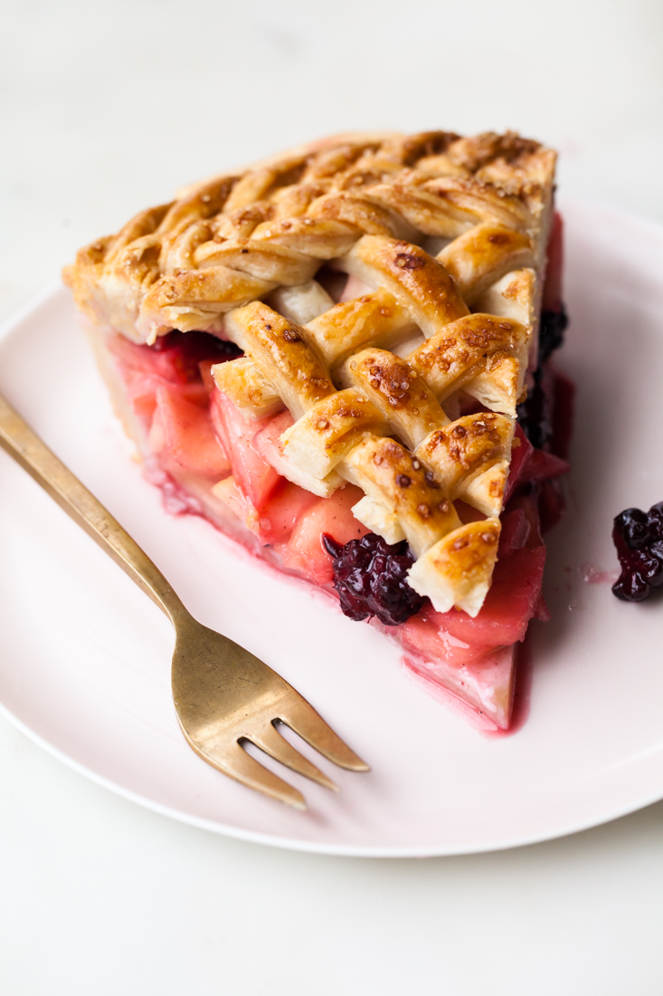"thanksgiving pie - apple blackberry pie recipe ""width ="" 733 ""height ="" 1100"