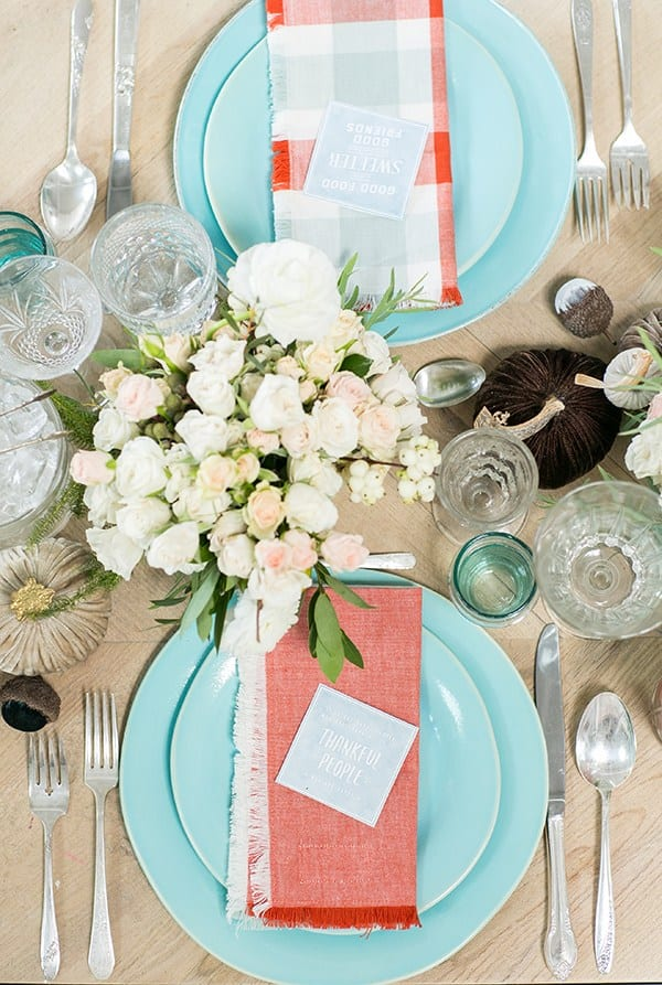 thanksgiving table decor blue-sugar