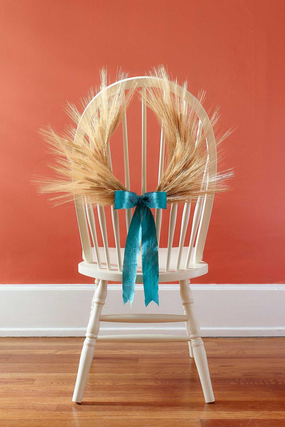 thanksgiving table decor chair
