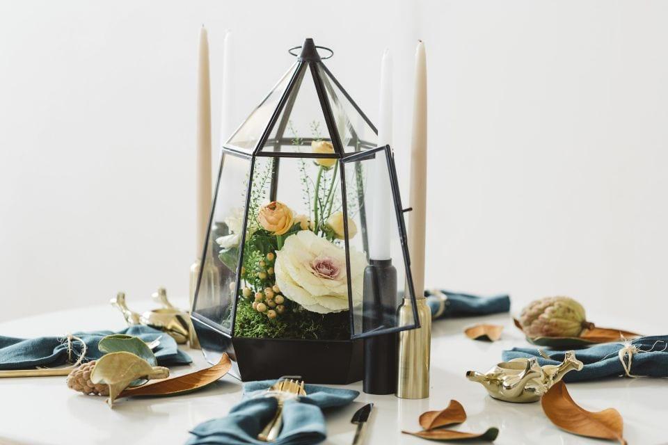 thanksgiving table decor floral terrarium