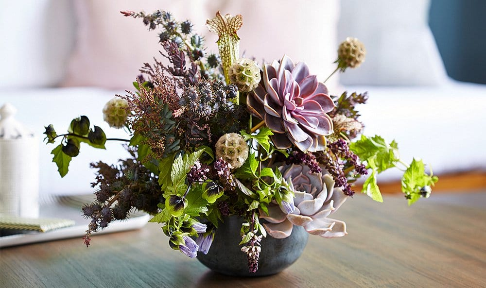 thanksgiving table decor flowers