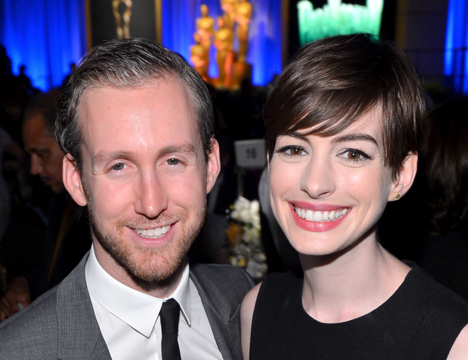 celebs who married their fans anne hathaway