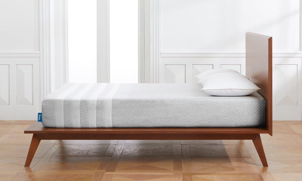 A comfortable Leesa mattress