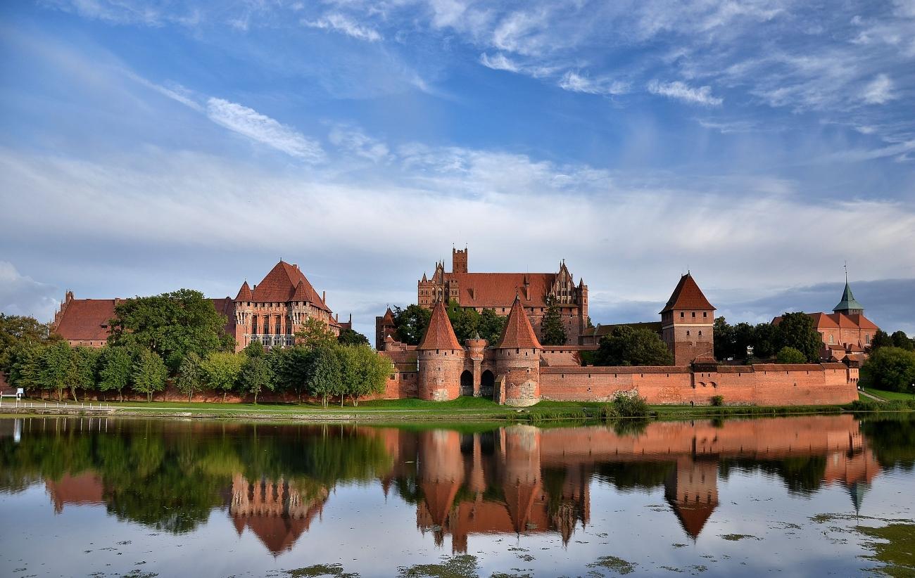 most impressive castles malbork castle