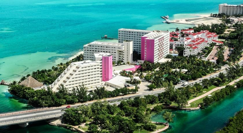 travel-deals-cancun