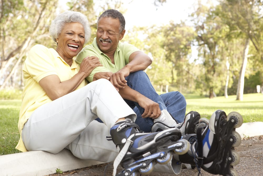 A healthy senior couple in the park because of intermittent fasting