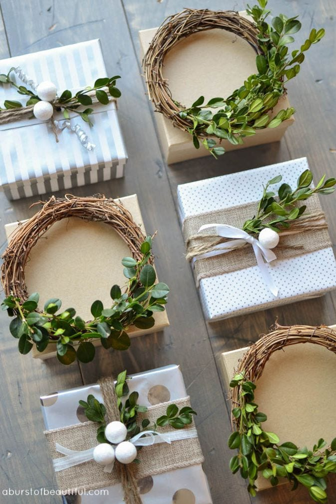 mimi wreath christmas gift wrap idea