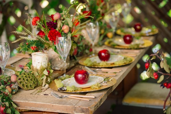 disney inspired weddings snow white themed table