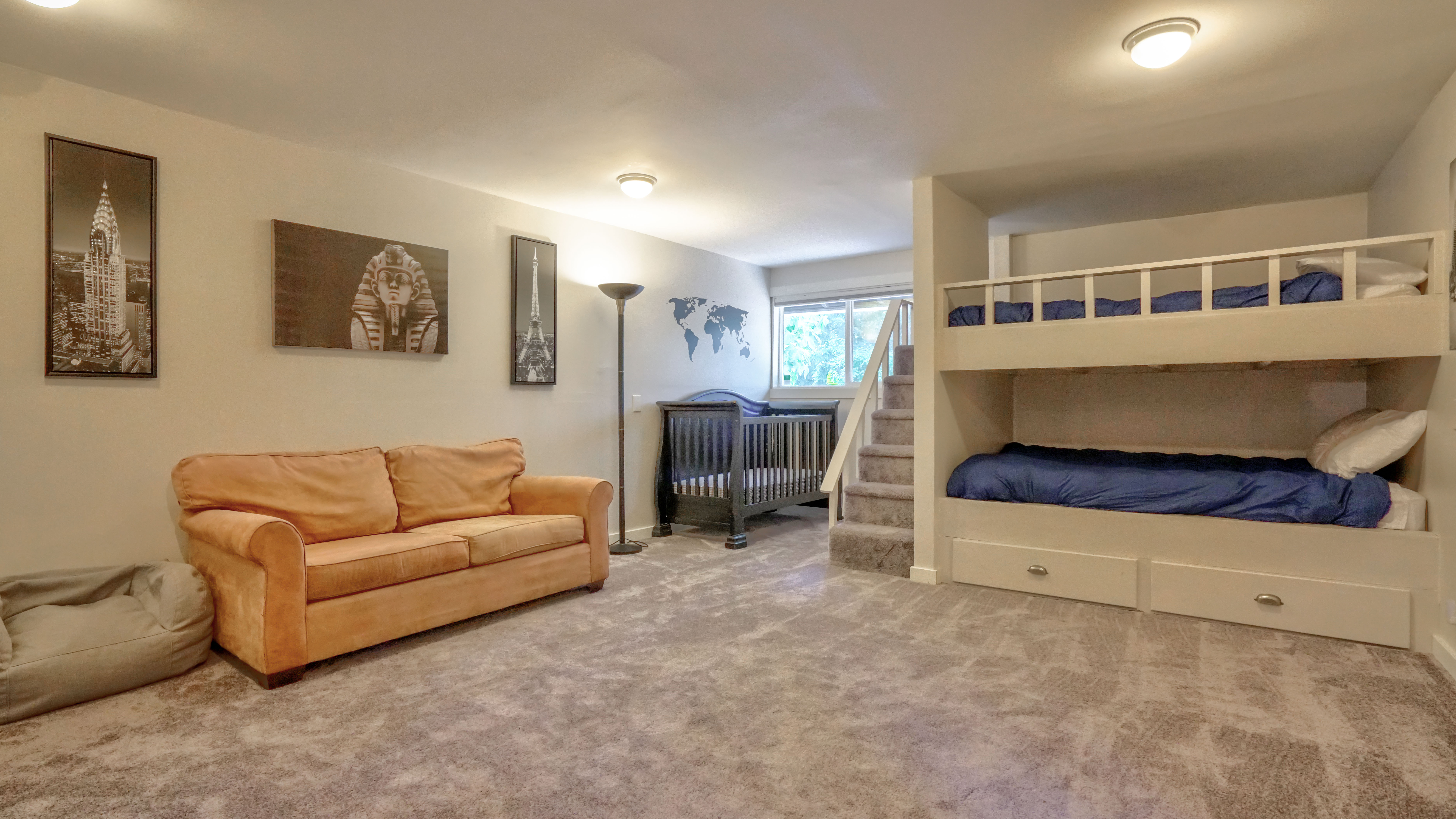 renting out individual beds in vacation home rental room