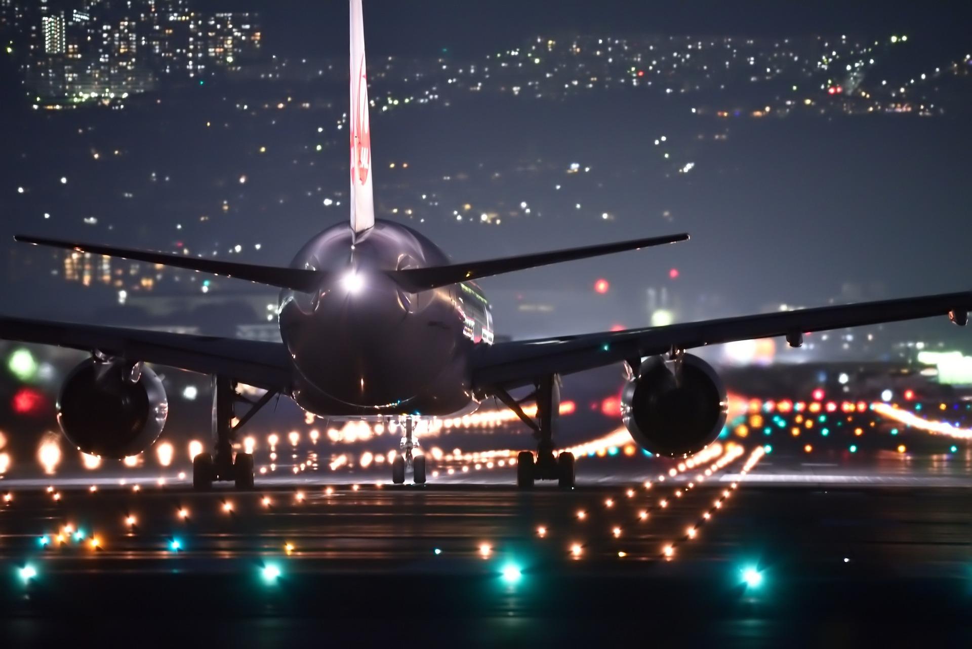 how to beat jet lag night travel plane