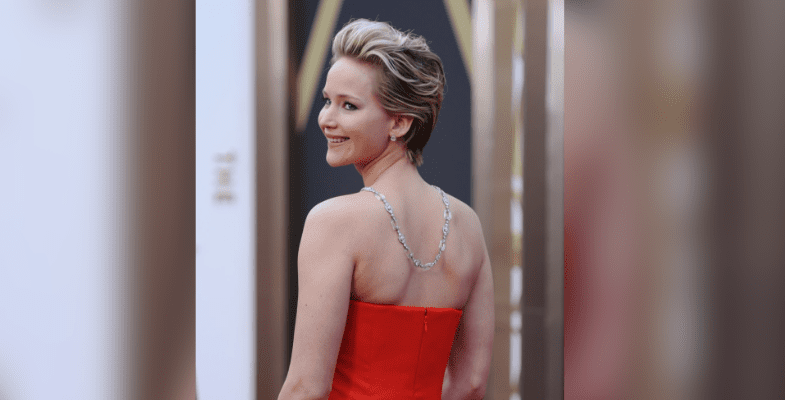 jennifer lawrence's expensive necklace