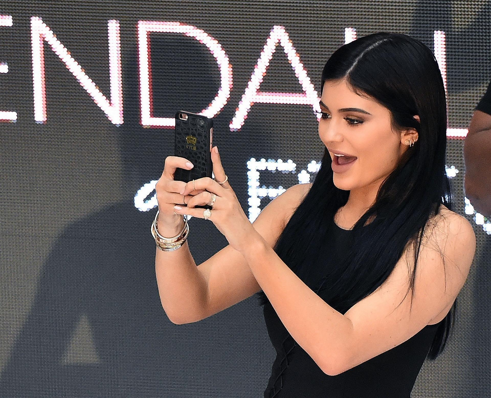 kylie jenner selfie