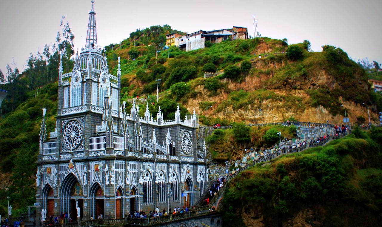 Las Lajas Sanctuary lavish buildings