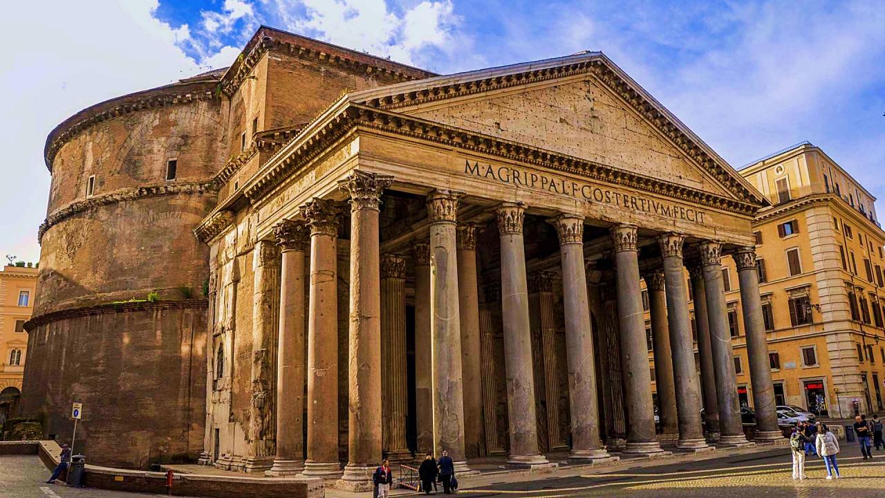 Roman Pantheon lavish buildings