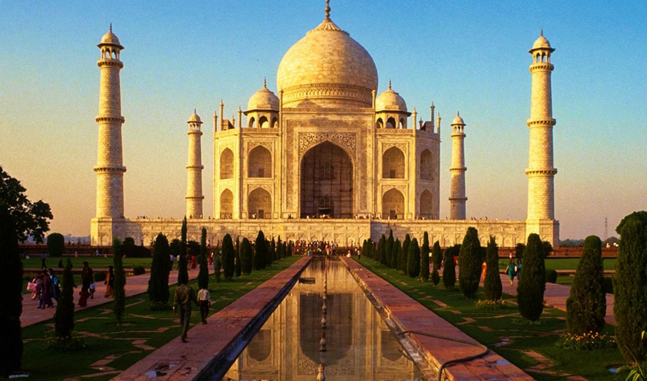 Taj Mahal lavish buildings