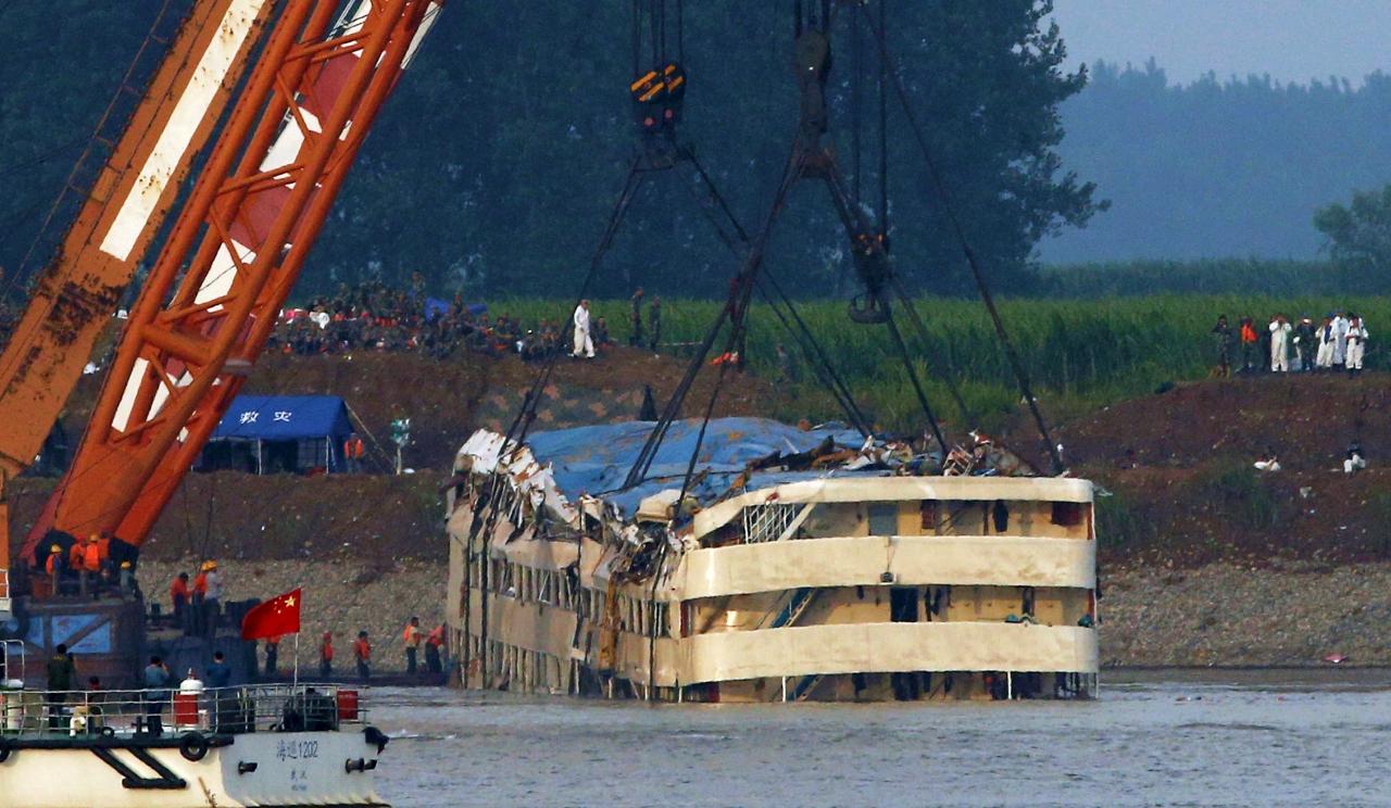 Yangtze River among most destructive tornadoes