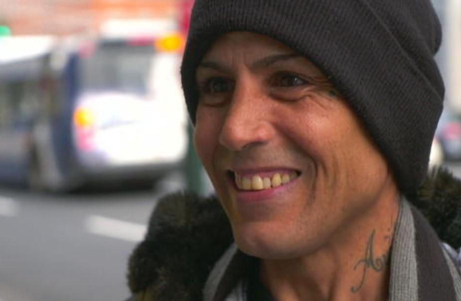 homeless man returns woman's check