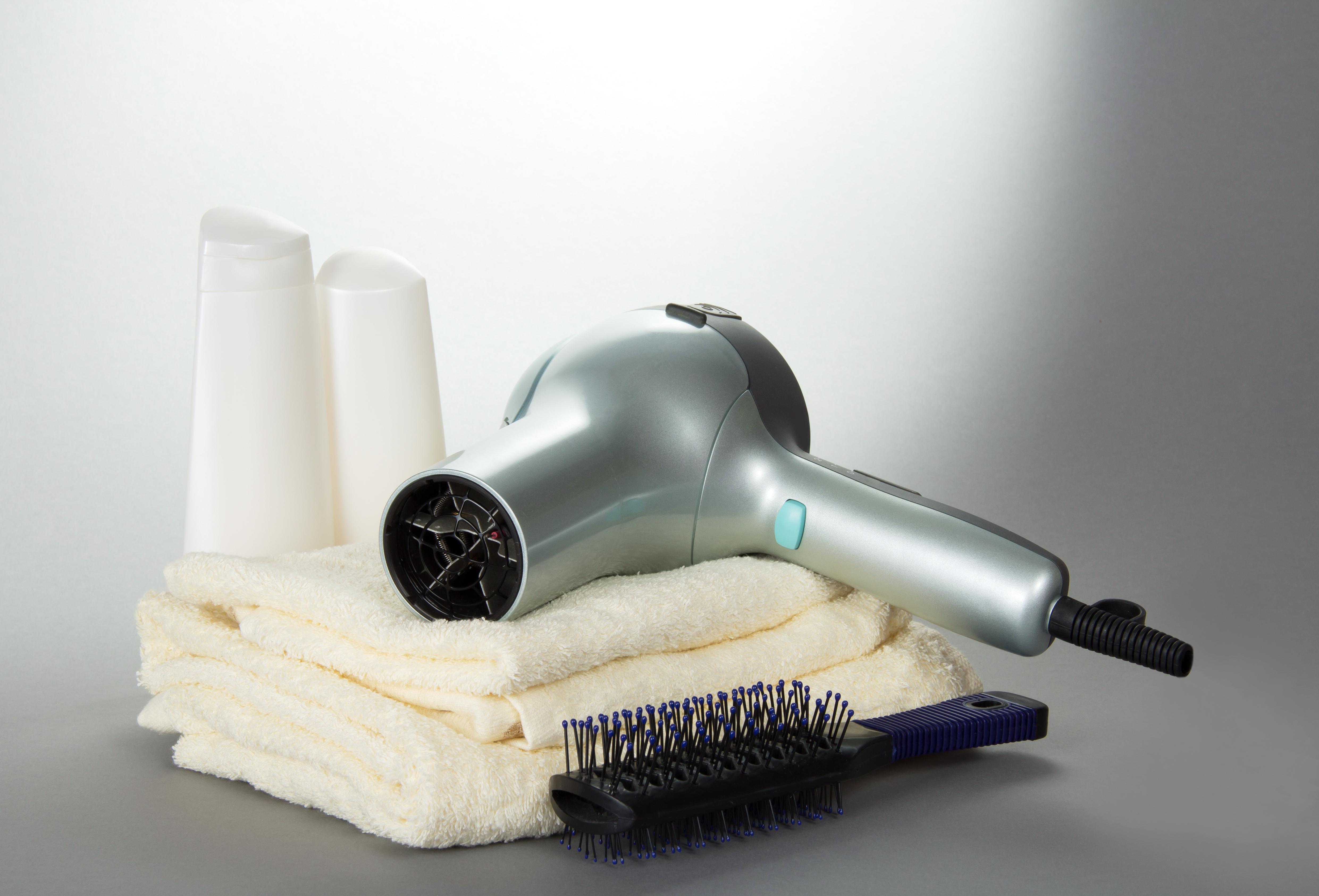 choose small, lightweight hair dryer