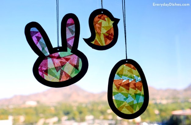 diy easter suncatcher decoration