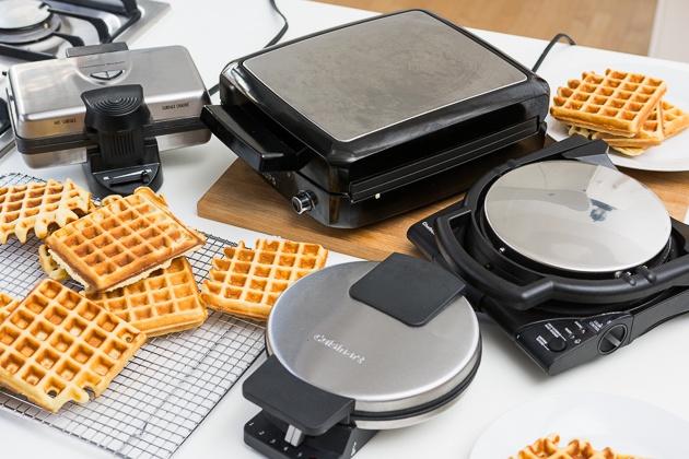 flip vs standard waffle maker