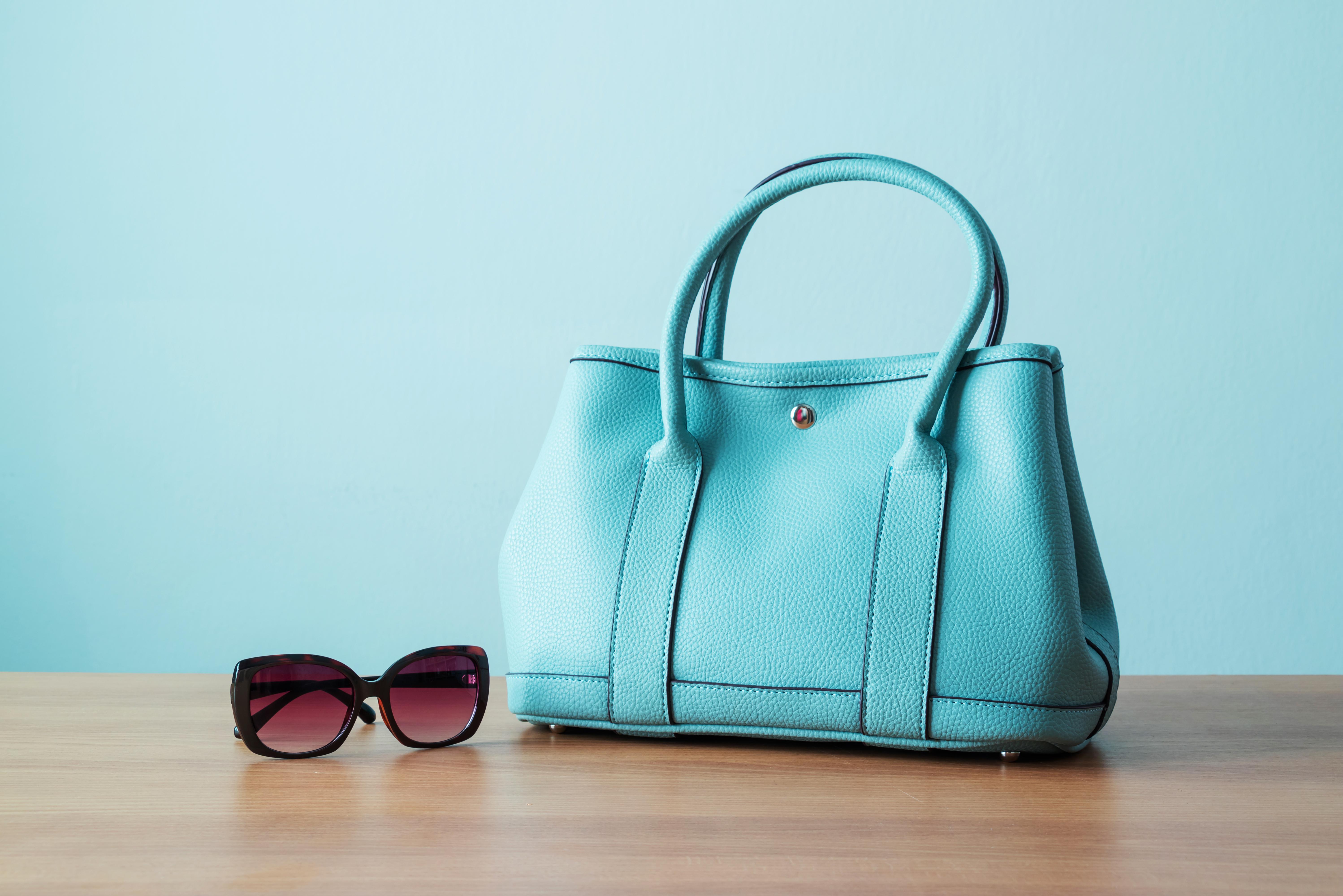 shoulder travel purse