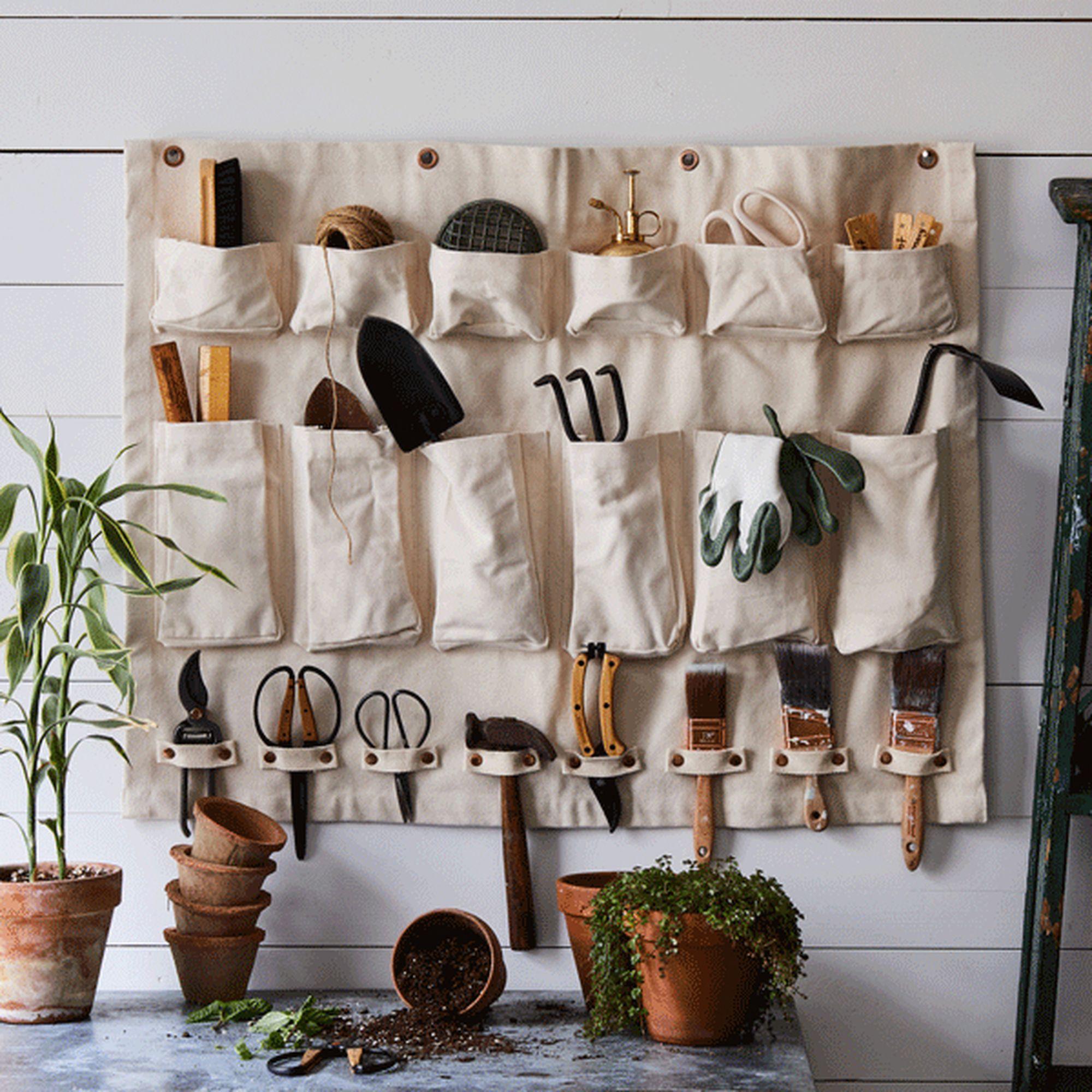 spring gardening 14 wall organizer