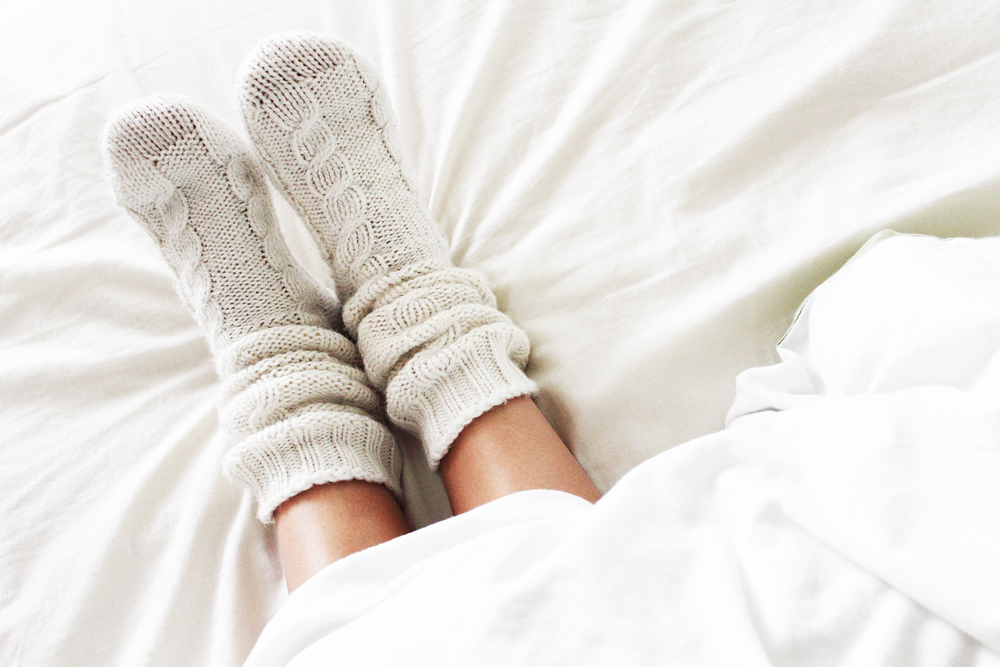 wear socks to bed to fall asleep faster