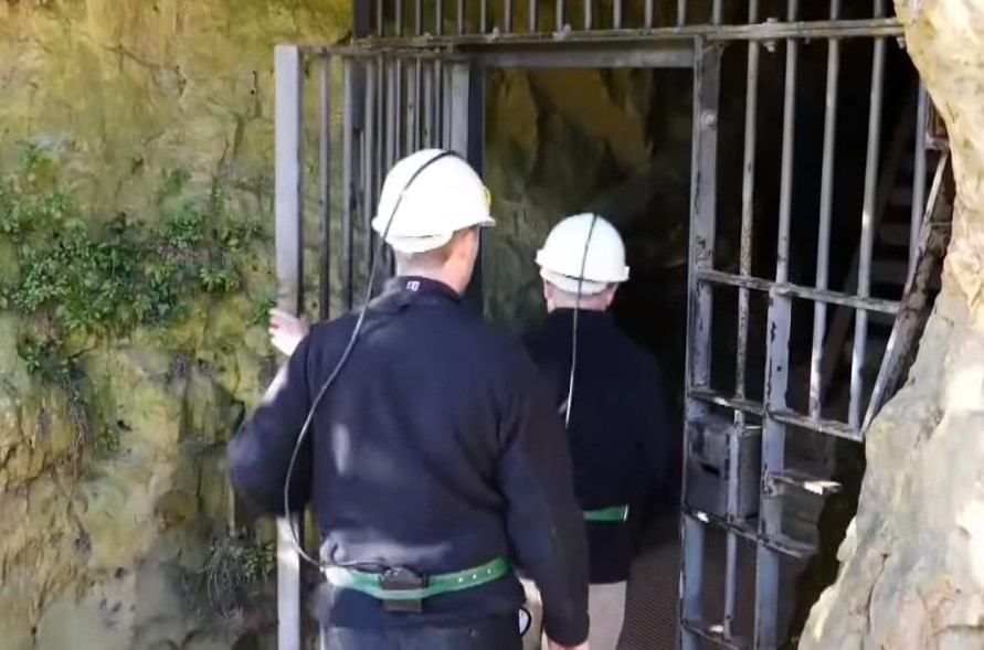 they started toward the entrance of the cave