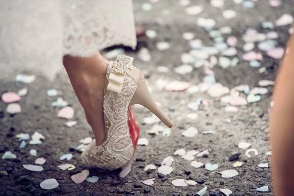 beautiful custom-designed wedding shoes