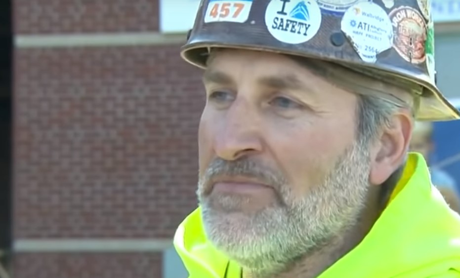 Pittsburgh ironworker restoring hospital