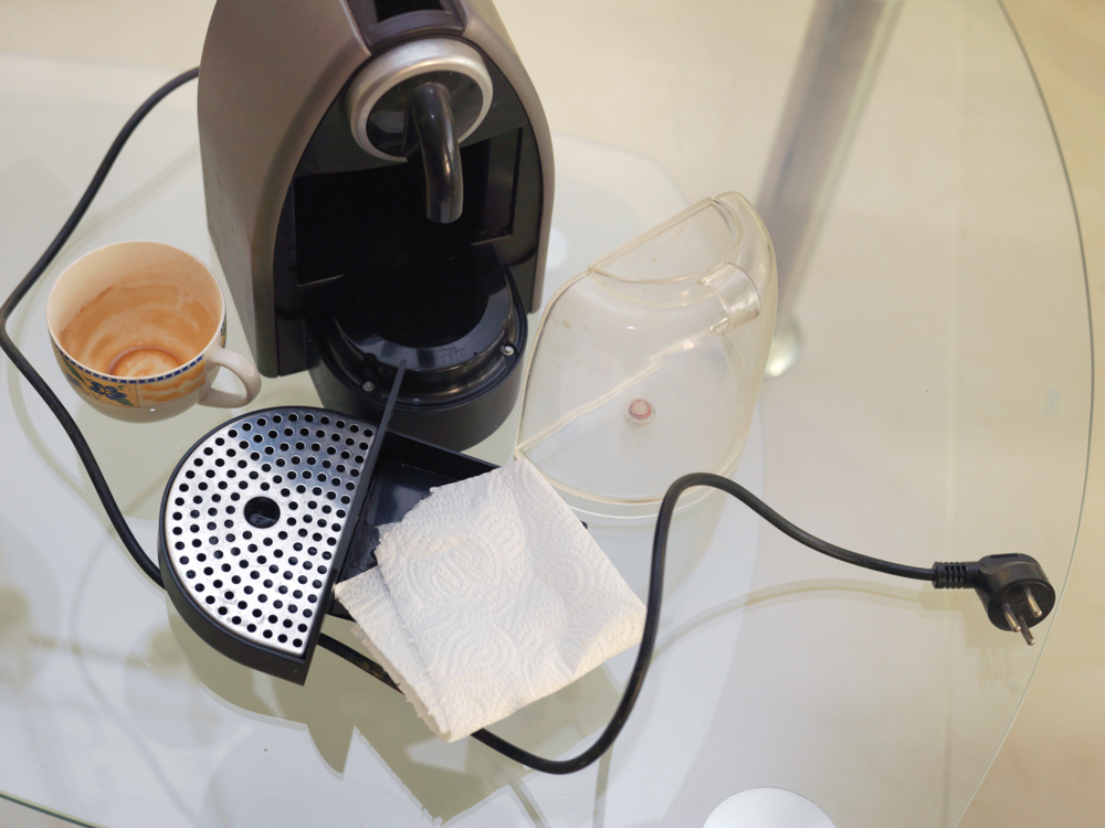 how to clean a coffee machine with dish soap