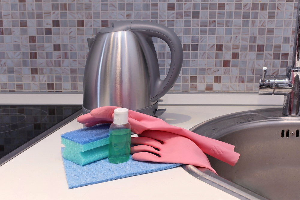 how to clean an electric kettle with a cleaning solution