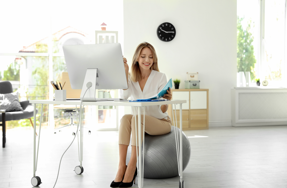 Top 5 Reasons Why You Should Use an Exercise Ball in Office