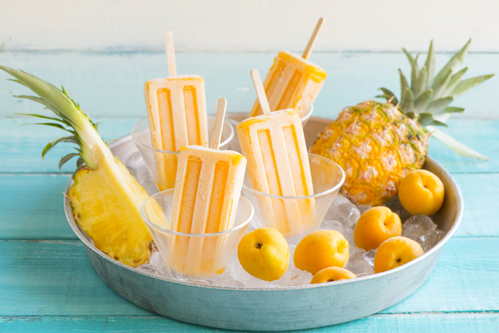 make fruit smoothie popsicles