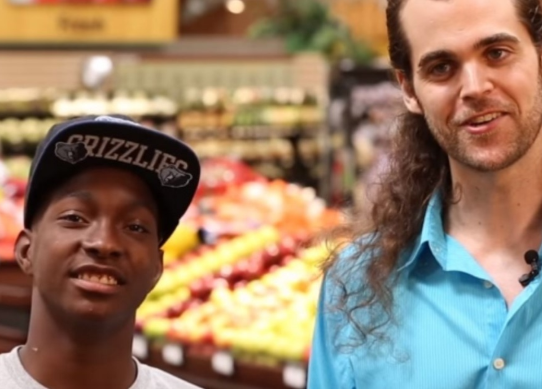 This Teen Offered To Cary A Man's Groceries For Food, And Then His Life Changed Forever