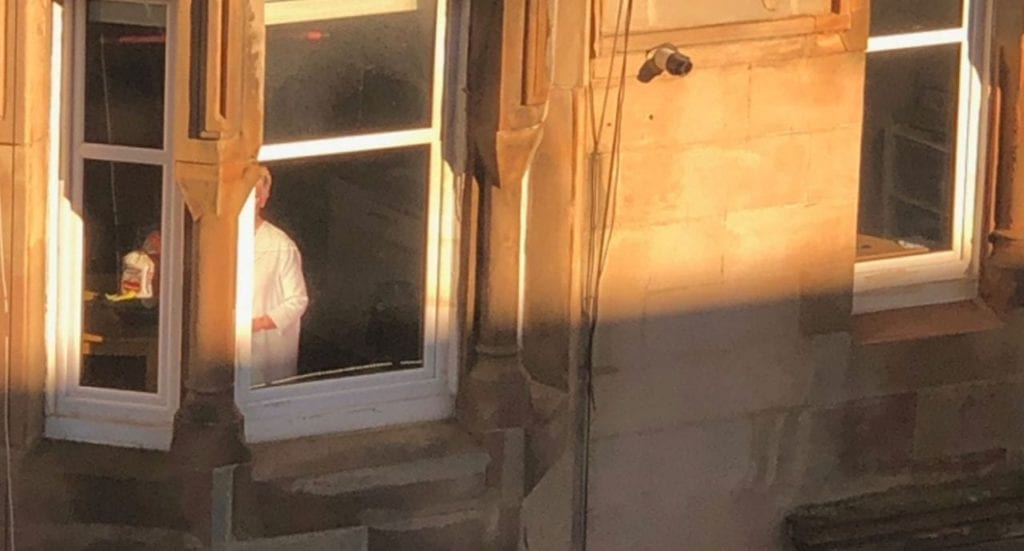 Woman Spots Familiar Face In The Window Everyday, Looks Closer And Realizes She's Being Set Up