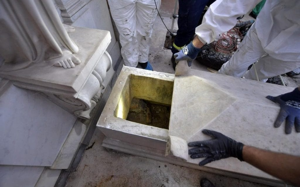 Girl Vanishes Without A Trace, 36 Years Later They Find Her In The Vatican